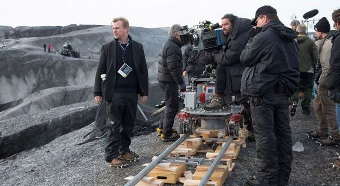 Behind The Scenes Photos From The Set Of Interstellar (20 pics)