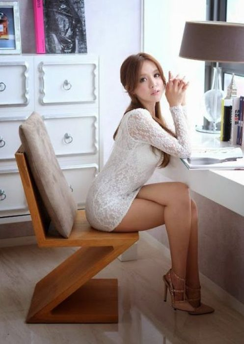 These Hot Ladies With Long Legs Will Be Running Through Your Mind All Day (58 pics)