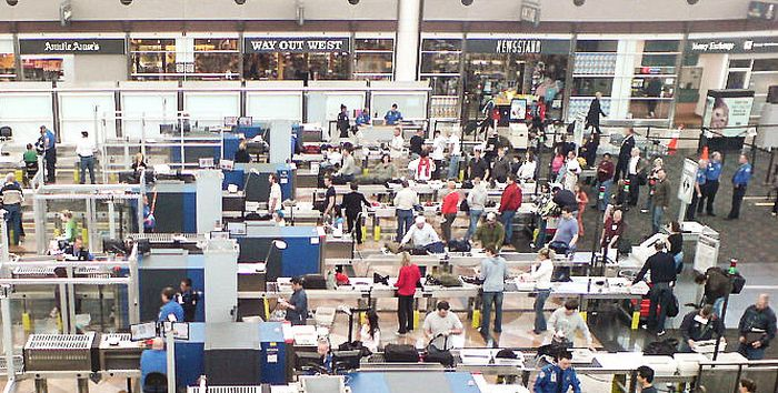 People Were Able To Sneak Weapons Through TSA Checkpoints In 95% Of Tests (3 pics)