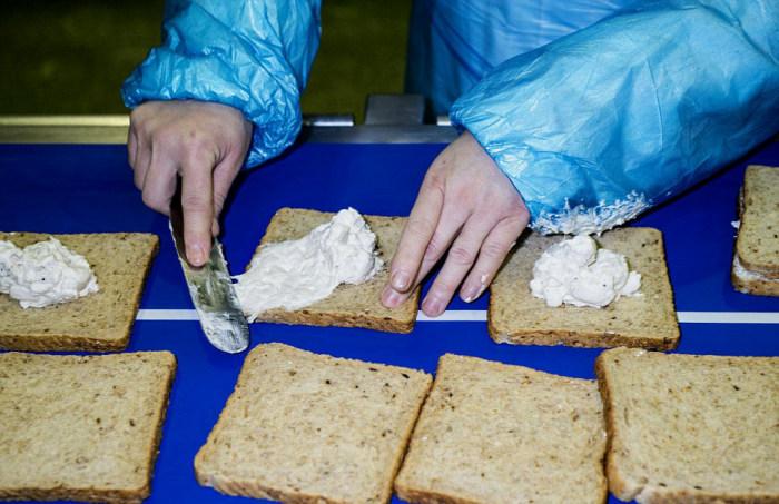 Britain's Biggest Sandwich Factory Makes Three Million Sandwiches A Week (21 pics)