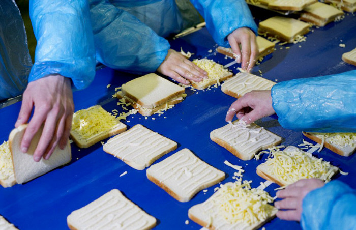 Britain's Biggest Sandwich Factory Makes Three Million Sandwiches A Week (21 pics)
