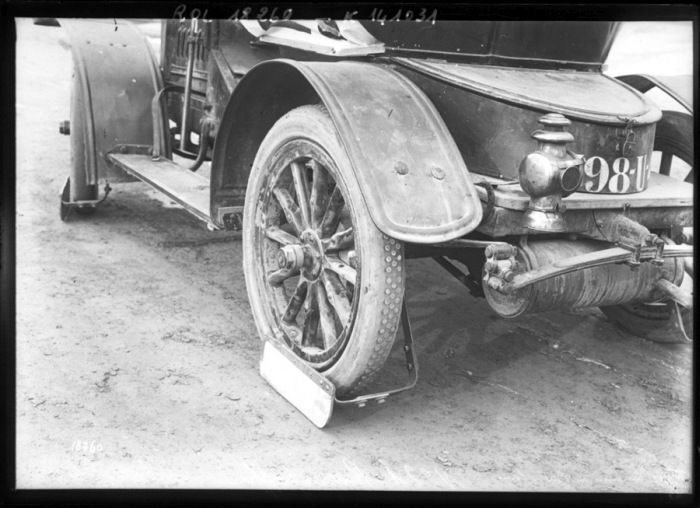 Mud Flaps Looked Very Different In 1912 (12 pics)