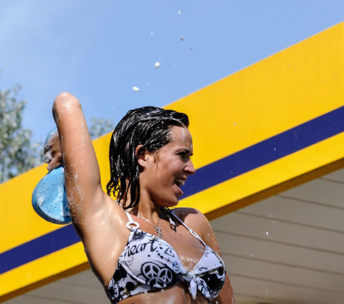 Wet Women Are The Best Reason To Get Your Car Washed (66 pics)
