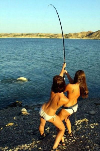 Hot Girls Fishing (40 pics)