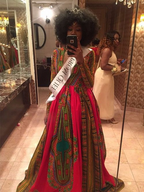 This Prom Queen Went Viral With Her Homemade Prom Dress (5 pics)