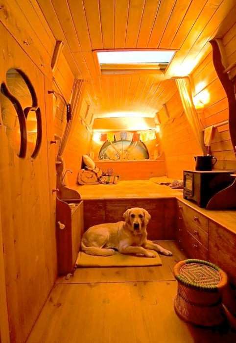 This Is One Very Impressive Mobile Home (27 pics)
