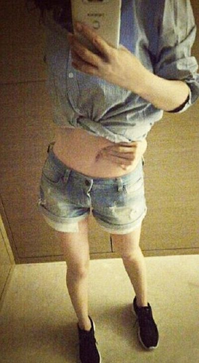 Are You In Good Enough Shape To Pass The Belly Button Challenge? (10 pics)