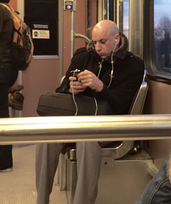 Real Life People That Look Way Too Similar To Movie And TV Characters (26 pics)