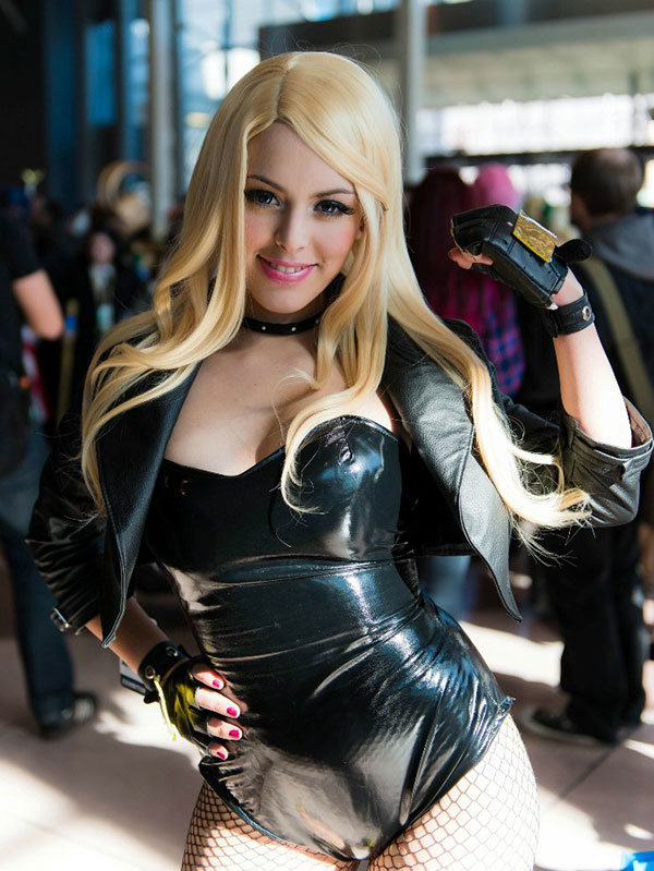 Sexy latex cosplay ideal