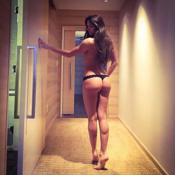 These Girls Rock Great Butts (82 pics)