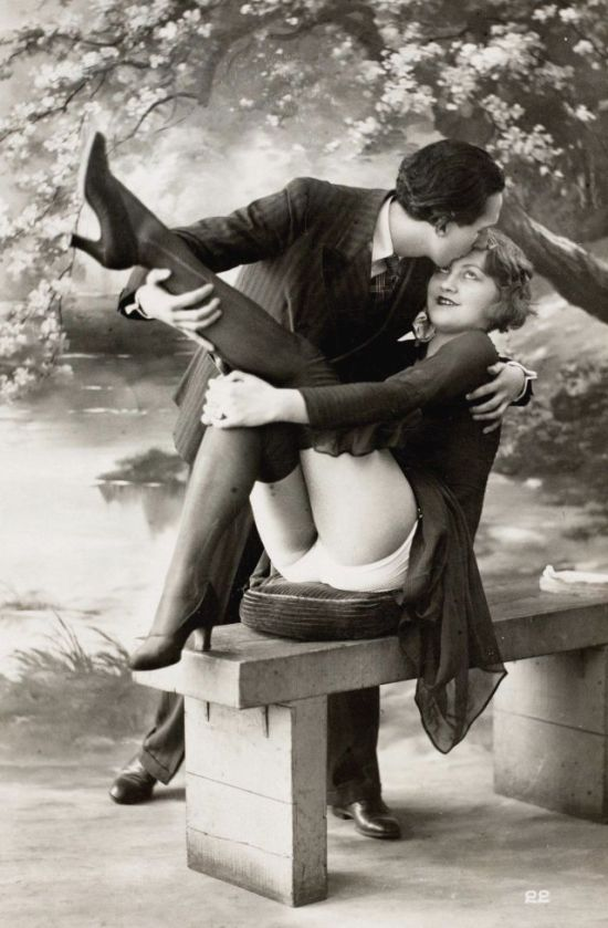 These Racy French Postcards Were Once Illegal In America (11 pics)