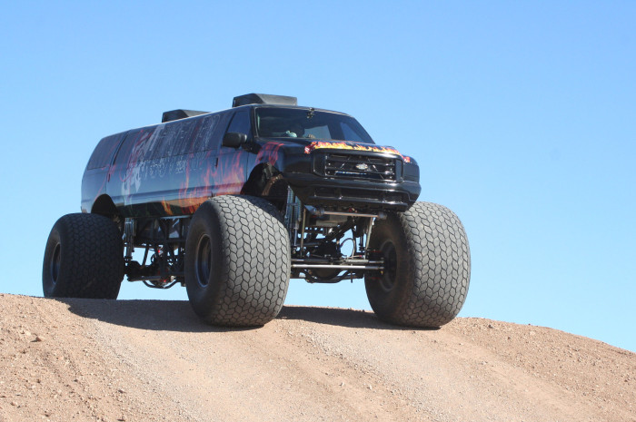 What It Looks Like When A Monster Truck Becomes A Limousine (9 pics)