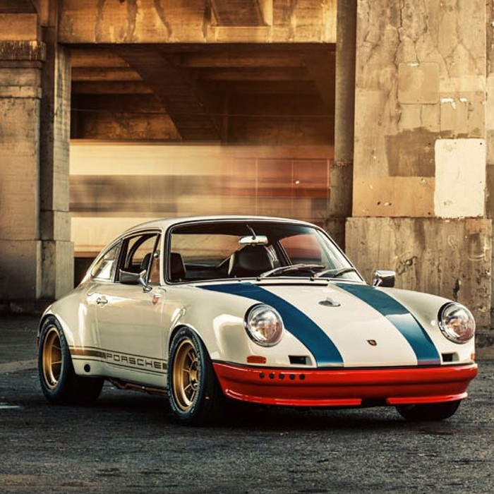 This Post Is For Anyone That Truly Appreciates A Beautiful Car (33 pics)