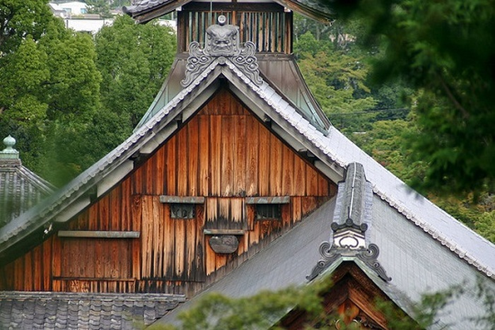 13 Buildings That Look Like Characters From Game Of Thrones (26 pics)