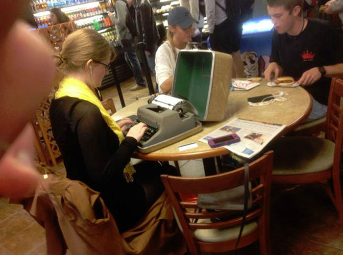 How To Spot A Hipster In Public (25 pics)