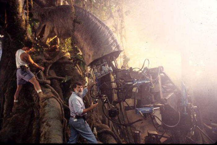 Behind The Scenes Photos From The Making Of The First Jurassic Park Film (39 pics)