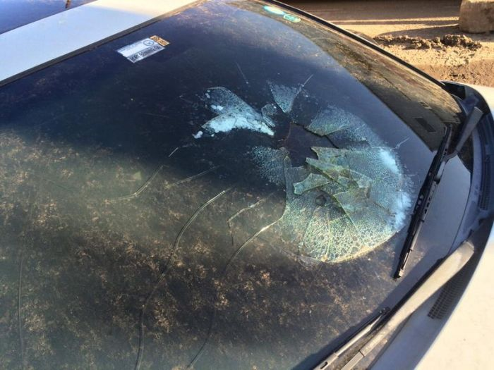 What It Looks Like When Lightning Hits A Car (2 pics)