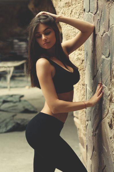 Strong Sporty Girls Show That Fit Is Really Sexy (52 pics)