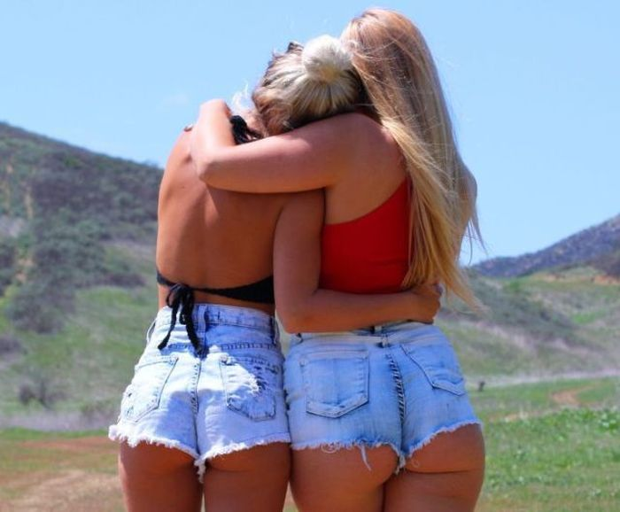 Summer Is Back And So Are The Sexy Women In Short Shorts -8766