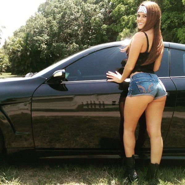 Summer Is Back And So Are The Sexy Women In Short Shorts (59 pics)