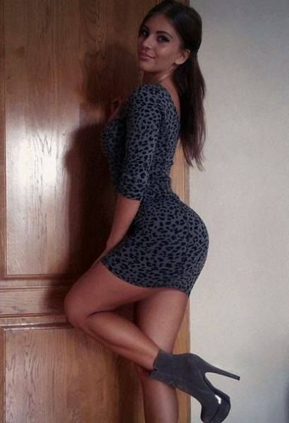 Nothing Fits A Beautiful Woman Quite Like A Skin Tight Dress (54 pics)