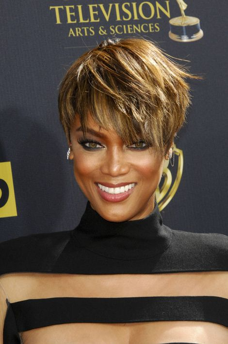 Tyra Banks Shows Off The Real Her By Wearing No Makeup (2 pics)