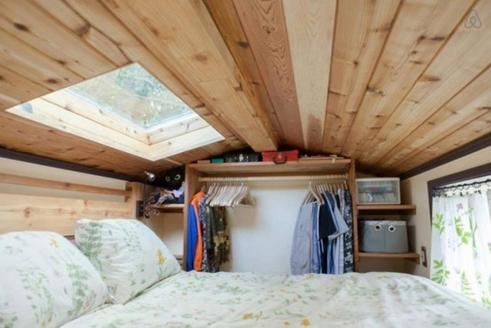 This Woman Built An Amazing Mobile Home All On Her Own (14 pics)