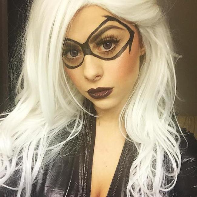 These Nerdy Fangirls Aren't Afraid To Show Their Sexy Side (38 pics)