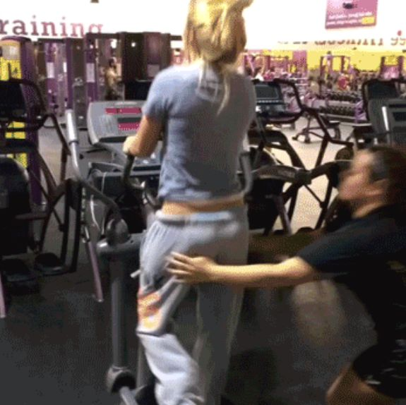 Pantsing Is A Prank That Will Always Be Funny (11 gifs)