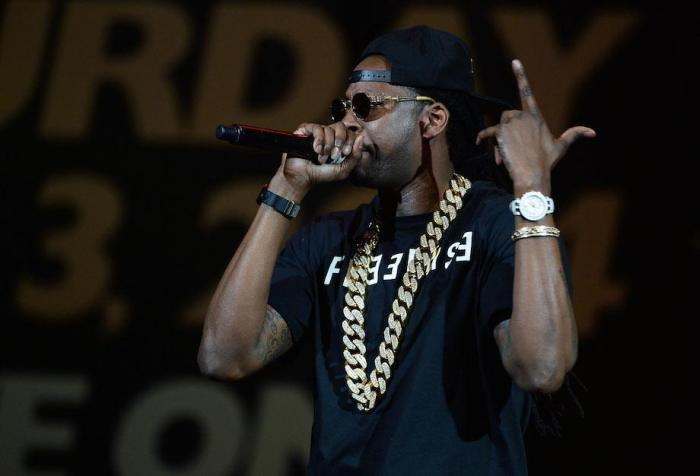 Find Out How Much Your Favorite Rappers Get Paid Per Show (20 pics)