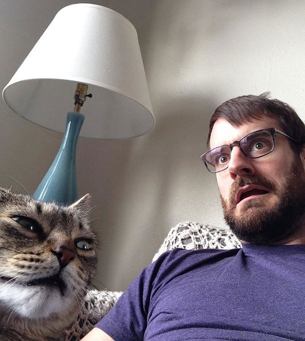 Animals That Clearly Don't Want To Be A Part Of Your Selfie (19 pics)