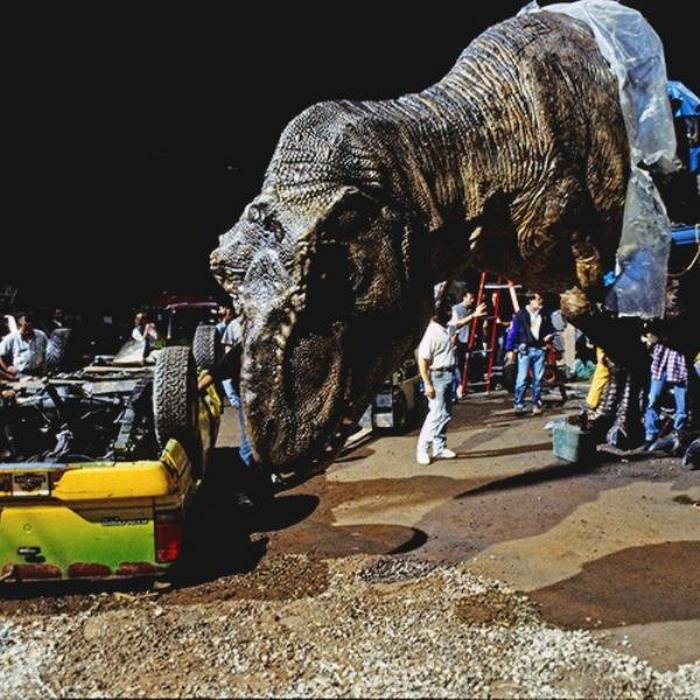 Photos That Take You Behind The Scenes Of Your Favorite Films (46 pics)