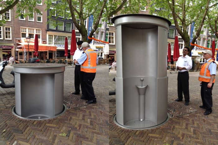 Every Country Needs One Of These Pop Up Public Toilets (2 pics)
