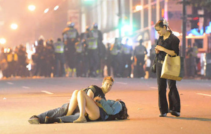 The Famous Kissing Couple From The Vancouver Riots Are Still An Item (8 pics)