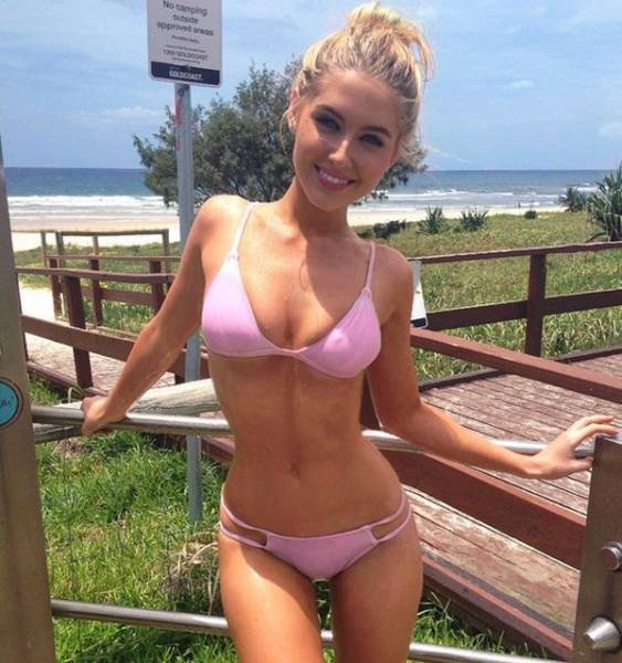 Bikini Babes Make Every Beach The Place To Be (52 pics)