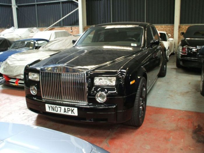 Crime Boss Hands His Car Collection Over To British Police (13 pics)