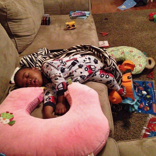 Pictures That Prove Kids Can Fall Asleep Anywhere (25 pics)