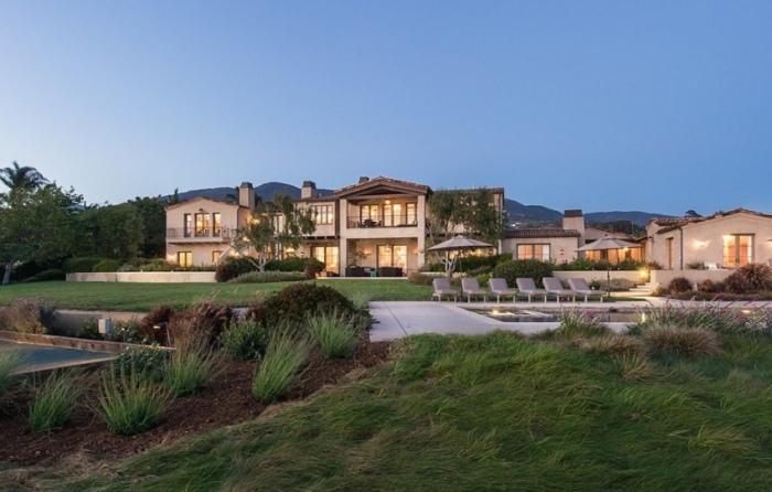 Lady Gaga's Malibu Mansion Is A Dream Come True (26 pics)