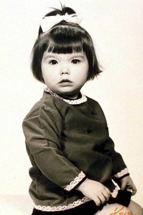 30 Childhood Photos Of World Famous Musicians (30 pics)