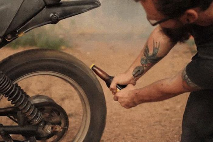 Creative And Awesome Ways To Open A Beer (15 gifs)