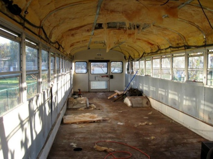 Old School Bus Gets Converted Into An Epic Motorhome (21 pics)