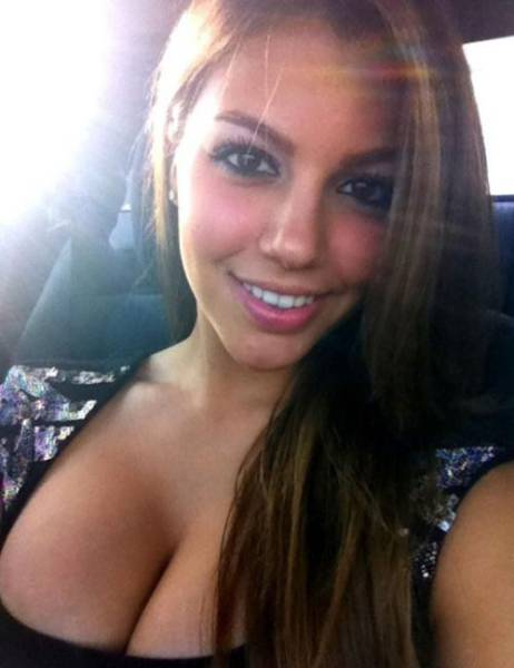 Beautiful Busty Girls That Know How To Get Your Attention (61 pics)
