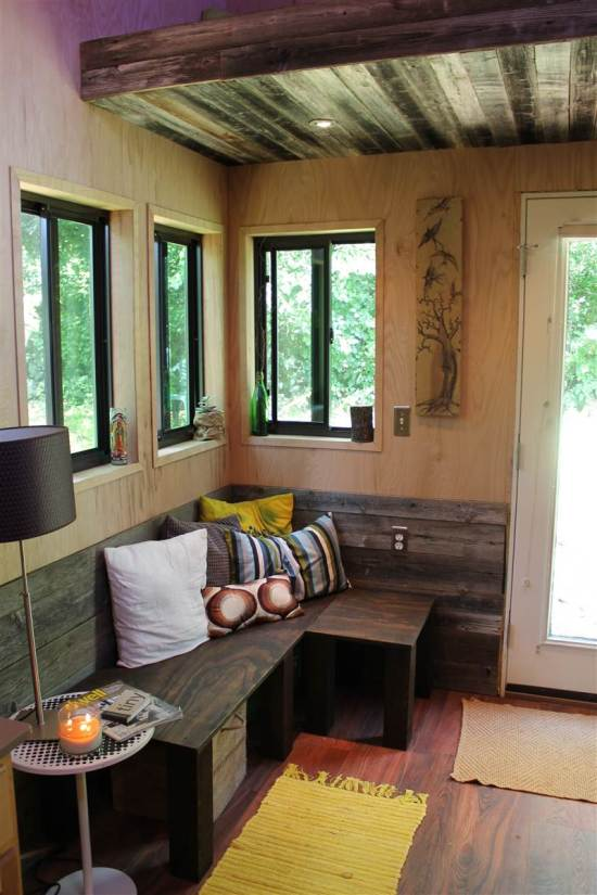 This College Student Built A Tiny Home So He Could Live Debt Free (4 pics)