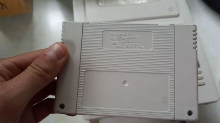 Man Finds Long Lost' Nintendo Sony Playstation' Prototype In His House (6 pics)