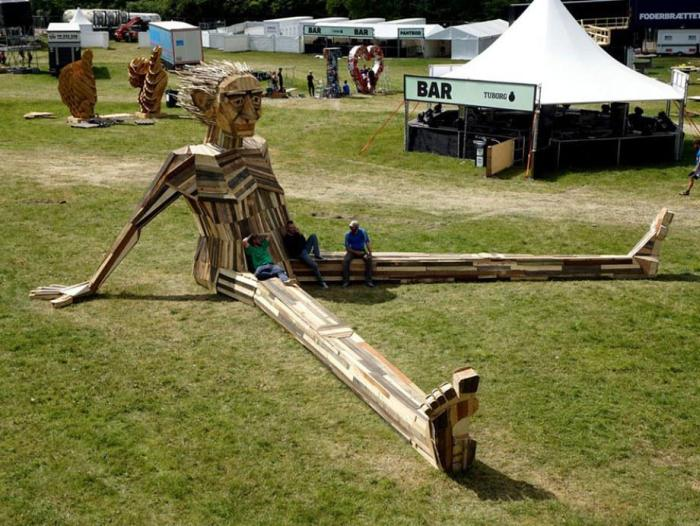Artist Builds Incredible Sculptures Out Of Old Scrap Wood (12 pics)