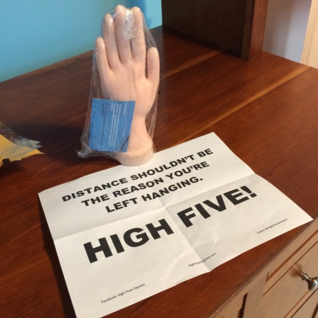 This Has To Be The Coolest Long Distance High Five Ever (3 pics)