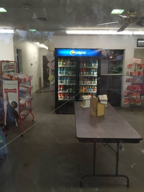 If You Break Into This Gas Station You're Going To Have A Bad Time (3 pics)