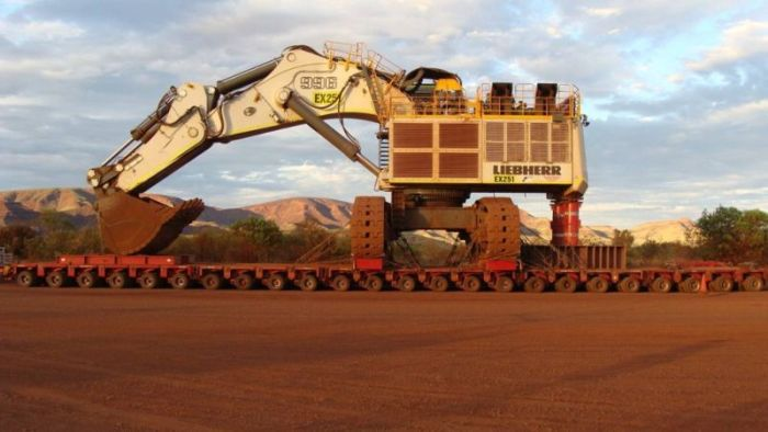 It Took Six Trucks To Move This Mining Excavator (4 pics)