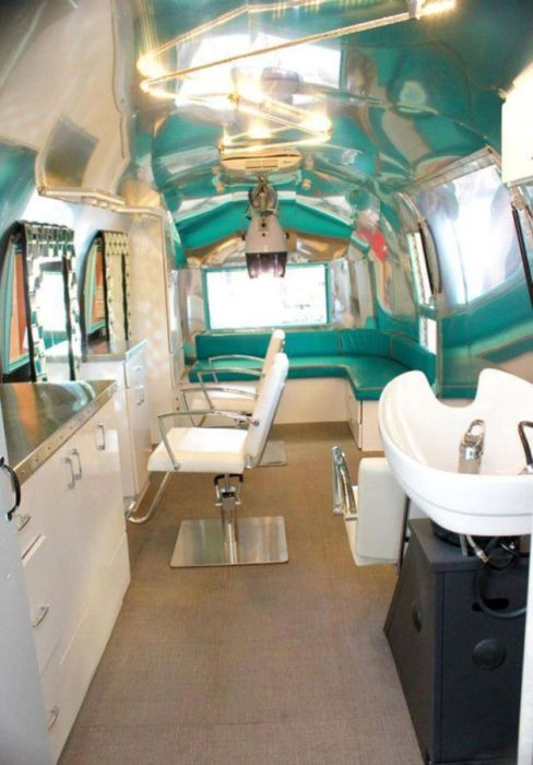 Old Trailer Gets Converted Into A Barber Shop On Wheels (18 pics)