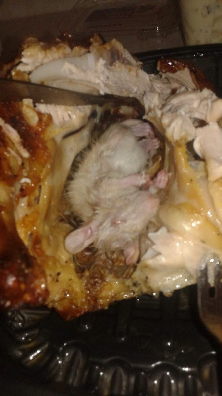 Why You Should Never Buy Roasted Chicken From Wal-Mart (3 pics)